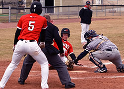 Baseball drops two against Iowa Central in conference opener