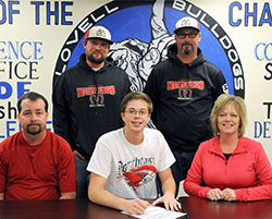 Wyoming recruit to play baseball for the Hawks